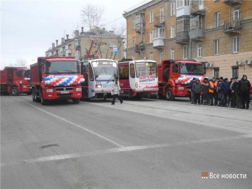 <p>Открыто движение трамваев по линии на ВМЗ</p>