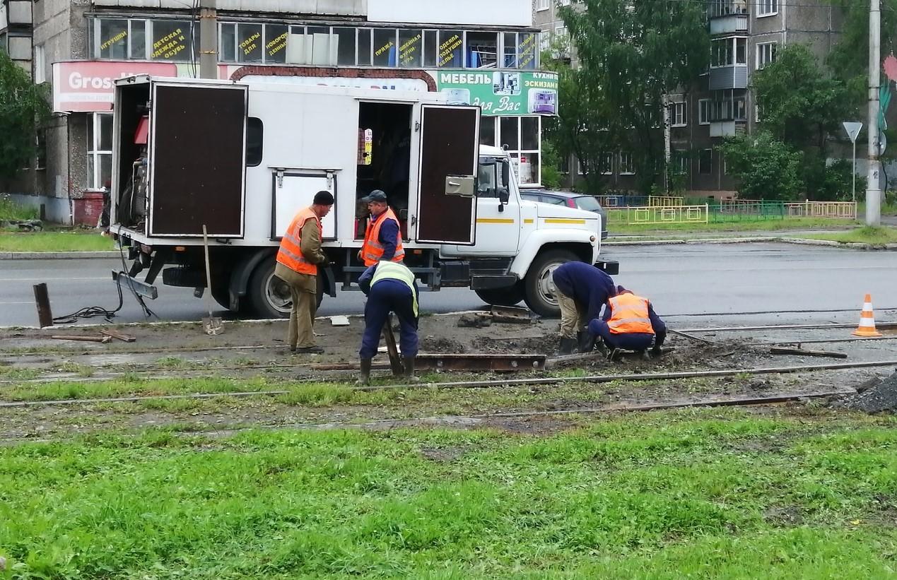 <p>Со вторника, 17 сентября, для производства работ по ремонту трамвайных путей ежедневно будет закрываться движение трамваев 15 маршрута.</p>